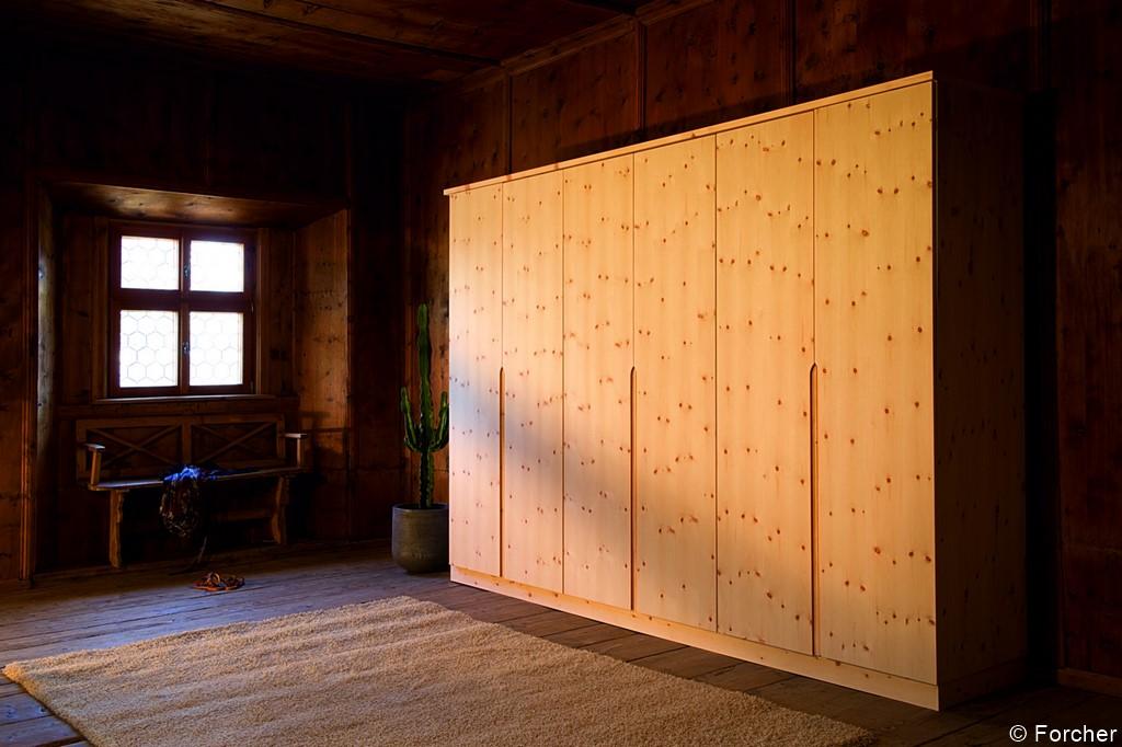 Schlafzimmerschrank Forcher Zirbelholz - Zachi Wiedner Möbel&Raumdesign