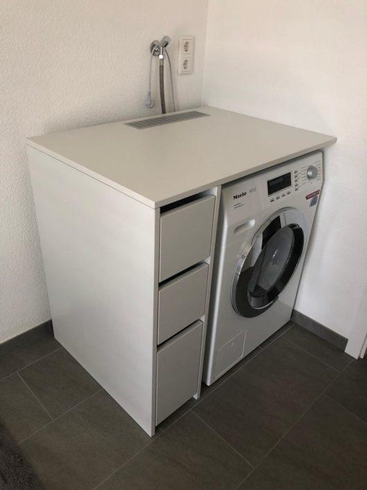 Waschmaschinenschrank von Zachi Wiedner Möbel&Raumdesign