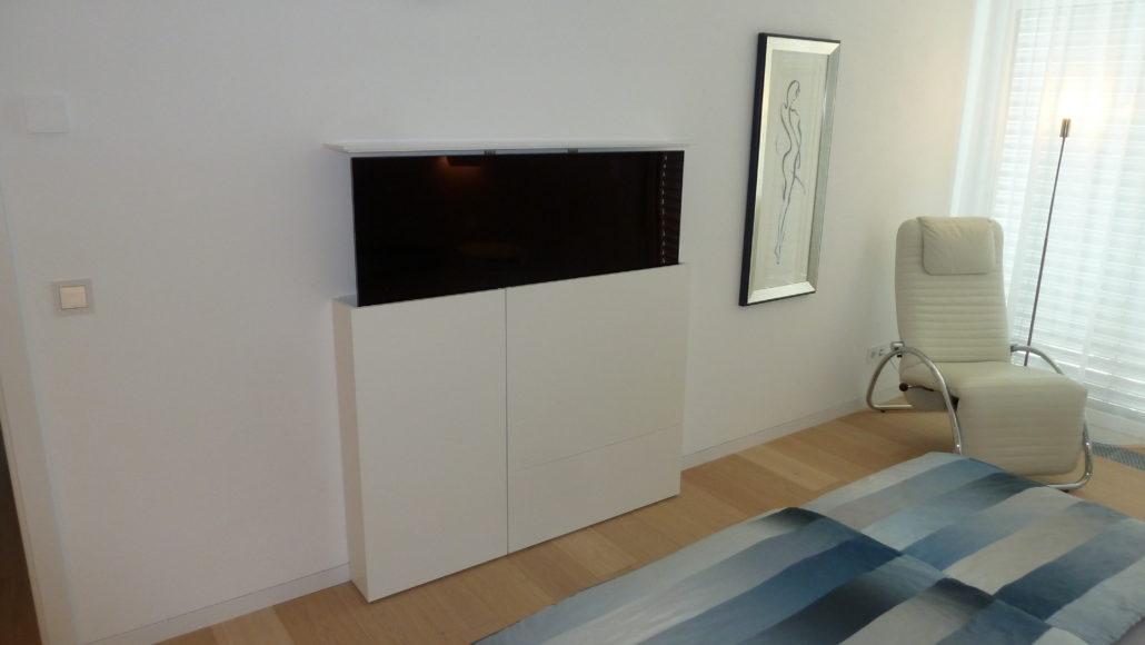 TV-Möbel von Zachi Wiedner Möbel&Raumdesign
