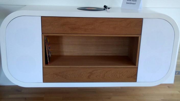 Möbel für Schallplatterplayer von Zachi Wiedner Möbel&Raumdesign