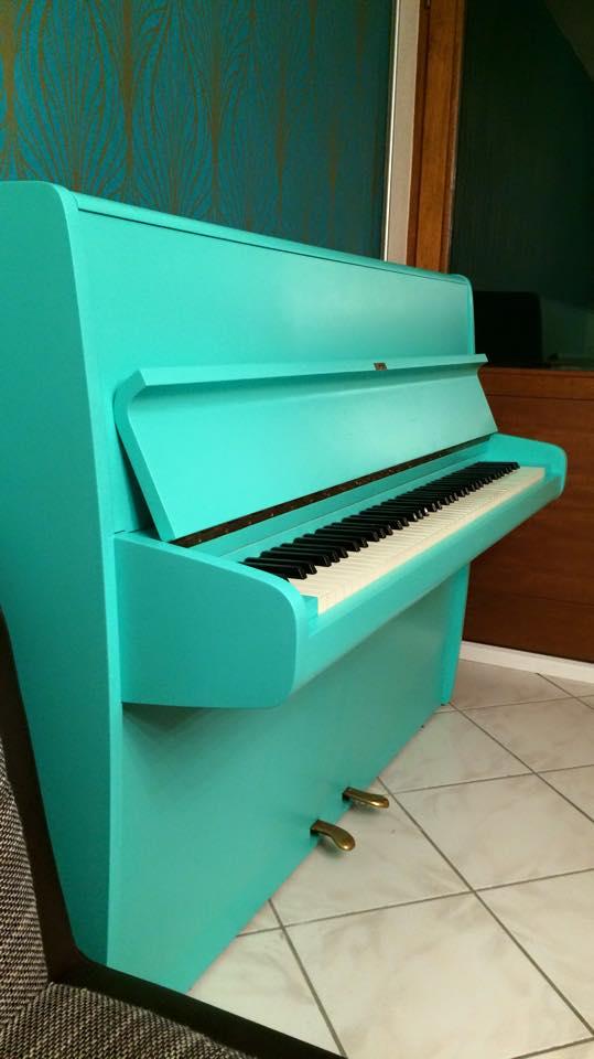 Neu lackiertes Klavier von Zachi Wiedner Möbel&Raumdesign