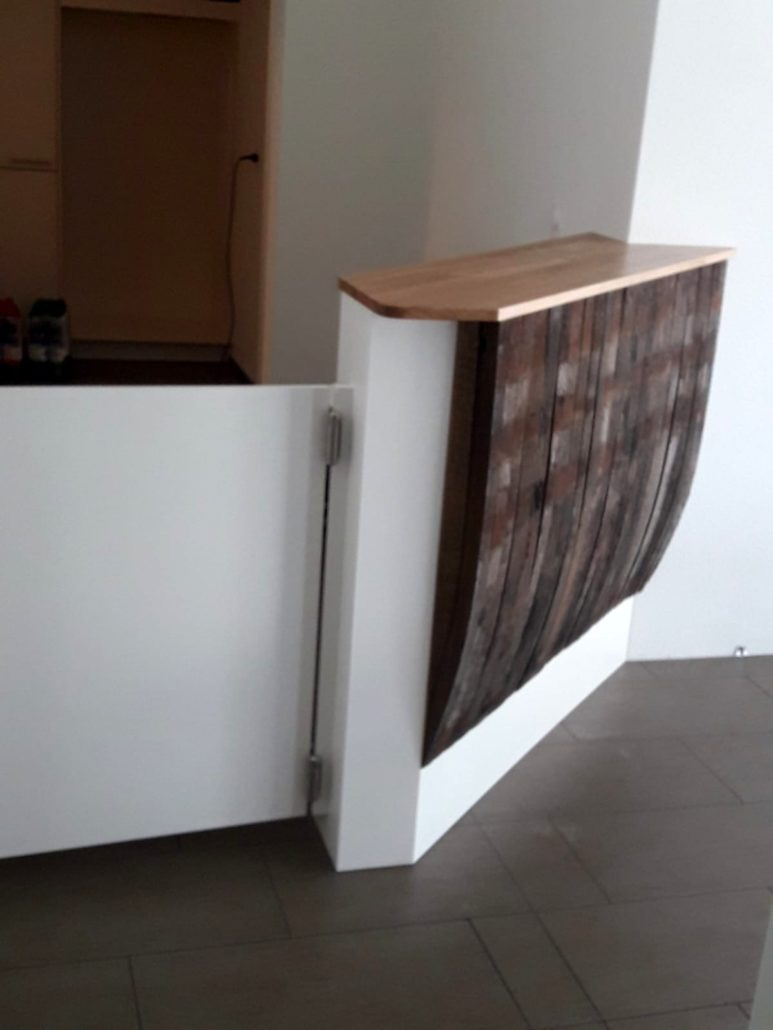 Theke vom Weinfasselemente von Zachi Wiedner Möbel&Raumdesign