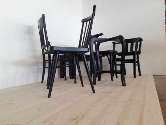 Schwarz lackierte Stühle - Zachi Wiedner Möbel&Raumdesign